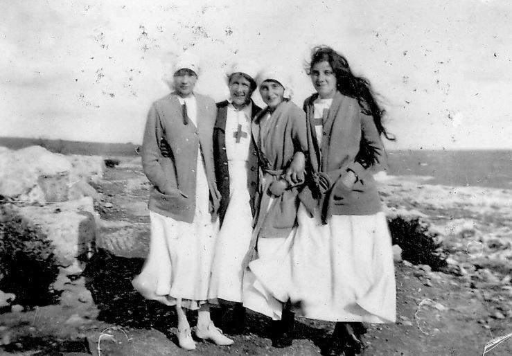 Biografia da escritora e enfermeira de guerra, Vera Brittain - blog de psicologia Melkberg - Vera Brittain - Edward Britin - guerra - Primeira Guerra Mundial - Roland Leighton - Testament of Youth - VAD - Winifred Holtby - George Catlin